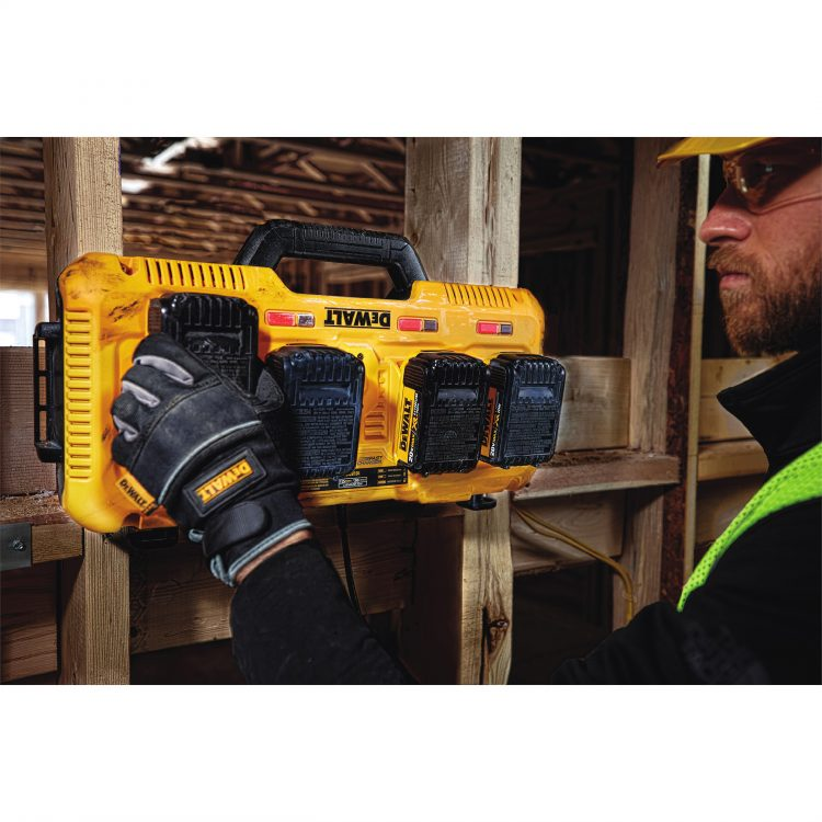 Dewalt-4PortCharger